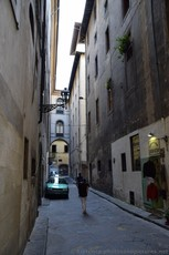 Via Filippina Street in Florence.jpg