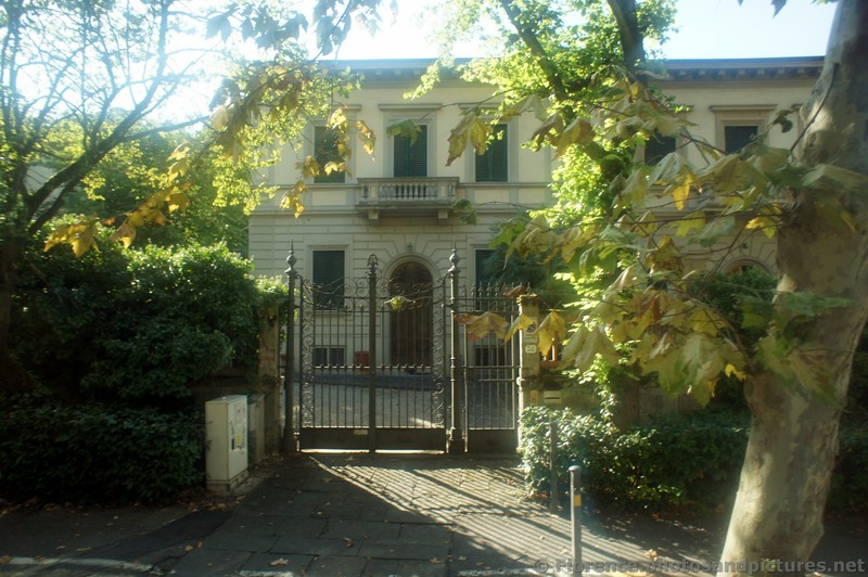 Expensive Gated Home in Galileo Galilei District of Florence.jpg
