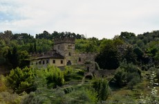 Castle like residence at the Florence Countryside near Via Marco Polo.jpg