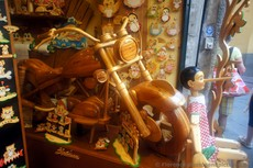 Wooden Motorcycle & Pinocchio at Bartolucci Florence.jpg