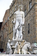 Piazza della Signoria Fountain of Neptune Close Up.jpg