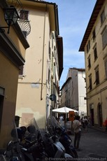 Via Delle Burella and Via Torta Cross Street in Florence.jpg