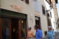 Entrance to Vivoli Gelato Location in Florence Italy.jpg