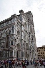 Side view of the Florence Cathedral.jpg